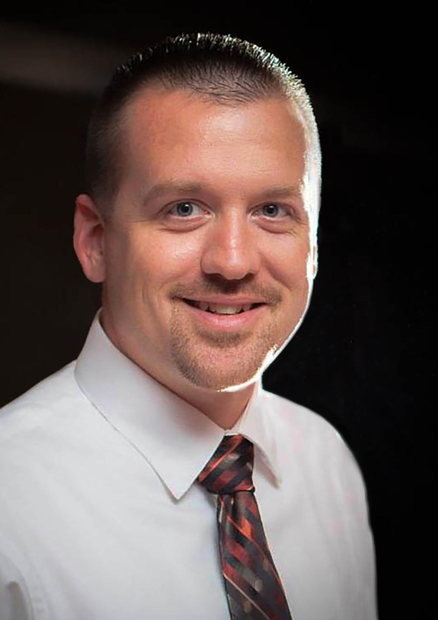 Dan Anselment : Consultant II, LEIC